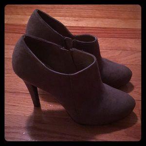 Merona Faux suede heels